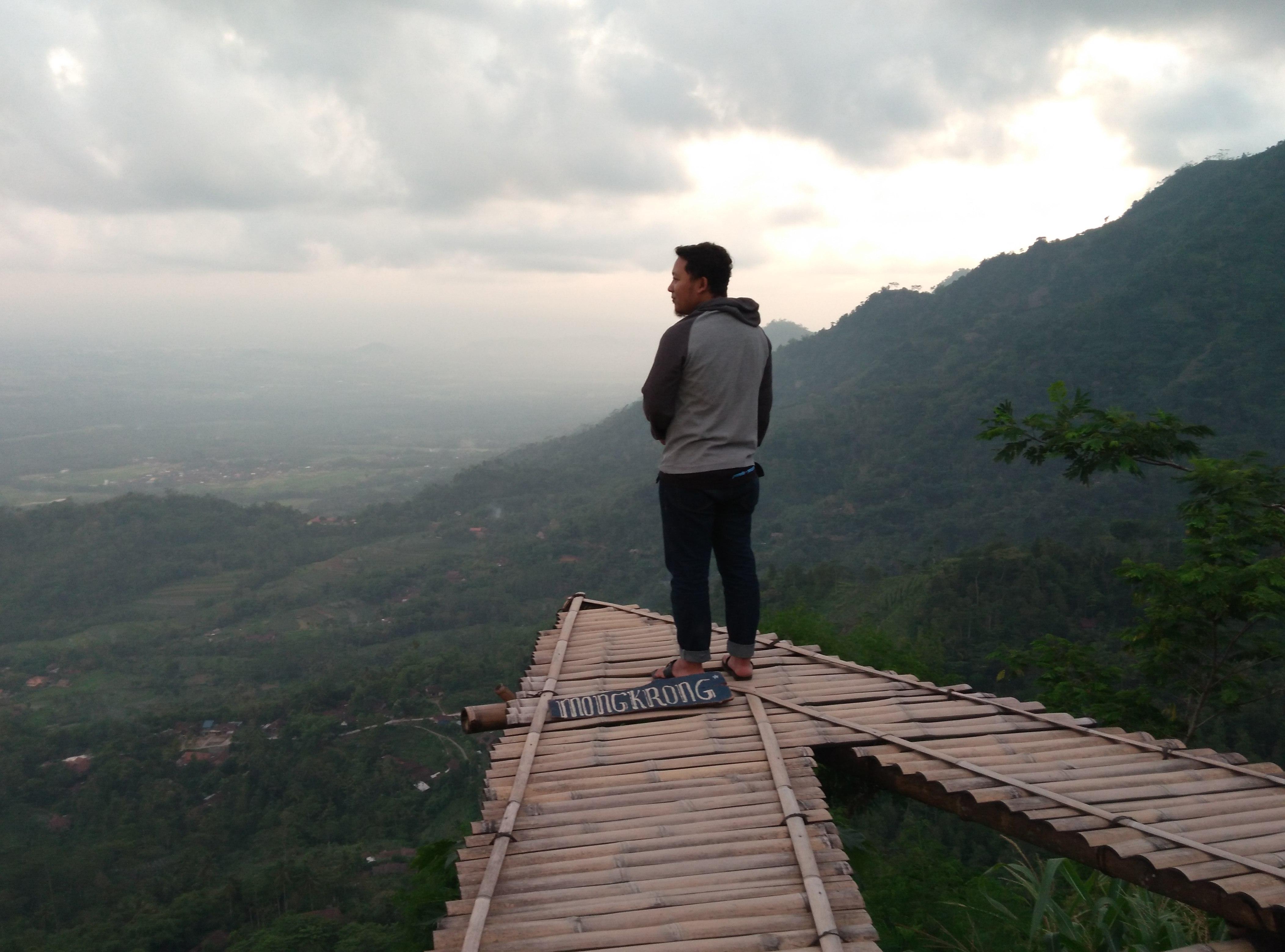 PUNTHUK MONGKRONG BOROBUDUR – Wisata Magelang