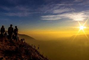 pesona wisata gunung andong