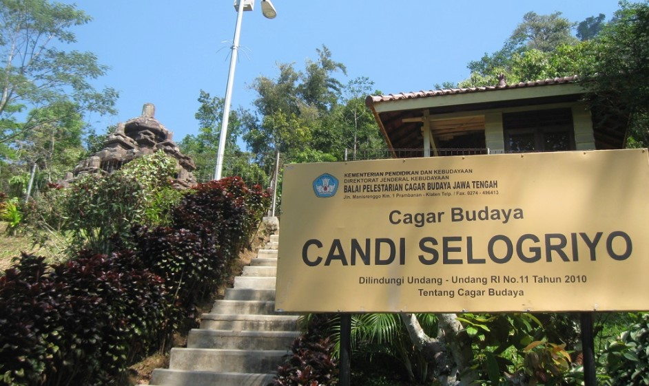 CAGAR BUDAYA CANDI SELO GRIYO